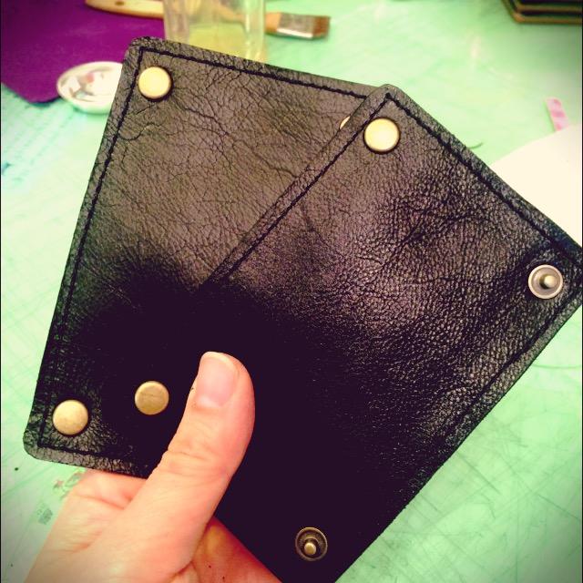 最近のヒット作、ビジネスバッグ用持ち手カバー